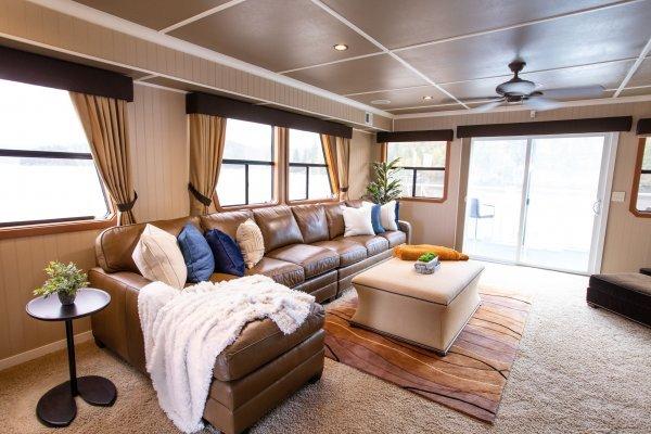 HMG_House_Boat-9105.jpg